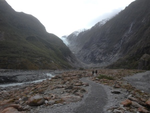 The walk into Franz Joseph Glacier